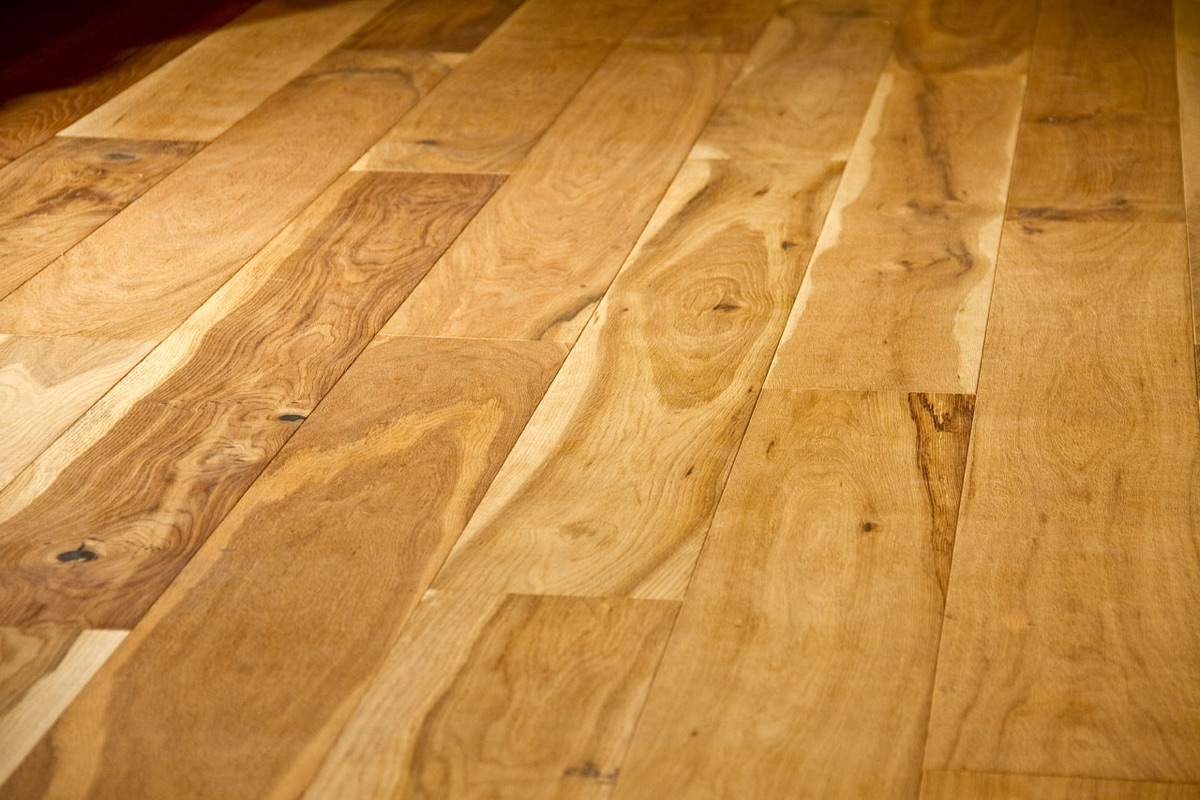 boden-parkett-teppich-teppichboden-vinyl-sockelleistung-17